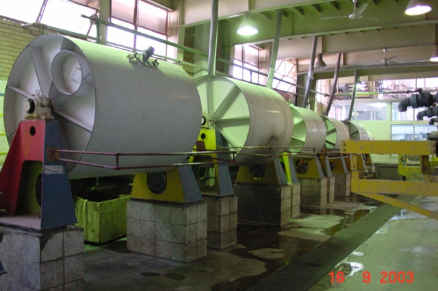 Ball mills for in-house grinding of enamel frits